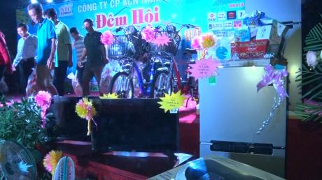 NHiều phần quà được chuẩn bị cho công nhân đang làm việc tại KCN Nam Tân Uyên