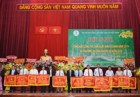 Các đơn vị nhận Cờ thi đua xuất sắc của Bộ NN & PTNT