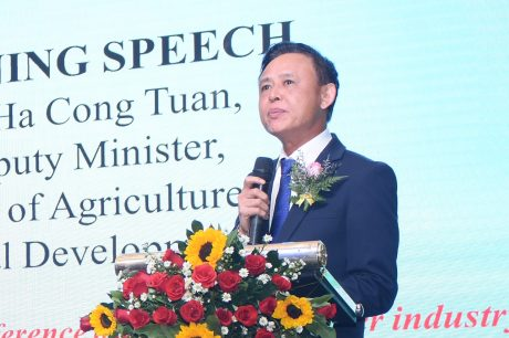 Thứ trưởng  Bộ NN&PTNT Hà Công Tuấn phát biểu tại Hội nghị