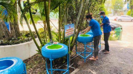 Bồn nước rửa tay đảm bảo sức khỏe cho công nhân trong suốt thời gian dịch bệnh Covid-19
