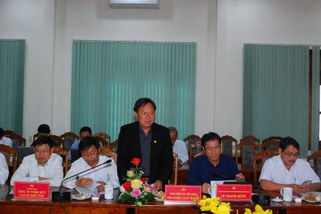 Ông Lê Khả Liễm - TGĐ Công ty TNHH MTV Cao su Kon Tum phát biểu tại buổi làm việc.