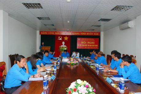Lãnh đạo công đoàn 9 thành viên trong khối đều về tham dự hội nghị đầy đủ