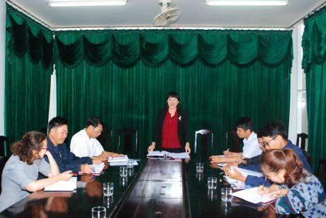 Đ/c Trần Thị Thanh Mai chủ trì một cuộc họp
