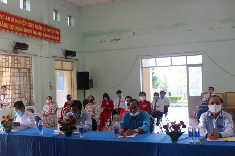 Đại biểu và đảng viên Xí nghiệp Quản Lợi dự đại hội