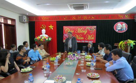 Ông Nguyễn Tiến Đức – Phó TGĐ VRG chúc Tết tại Công ty CPCS Điện Biên. Ảnh: Xuân Lợi